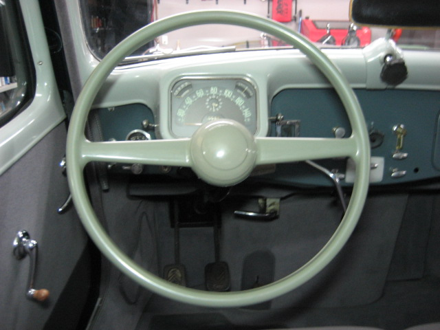 15 Six: Replacement of the steering wheel and installation of sun visors